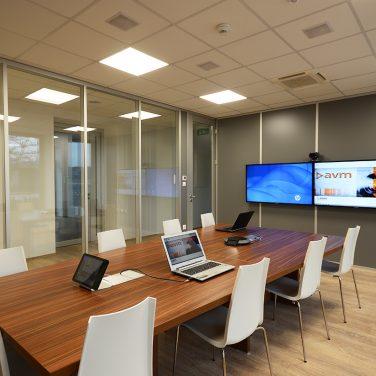 avm-güntner-videokonferencia-terem