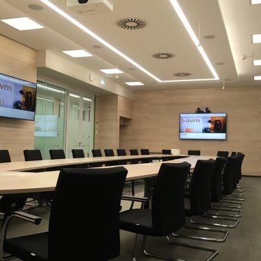 avm-multifunkciós-terem-monitor