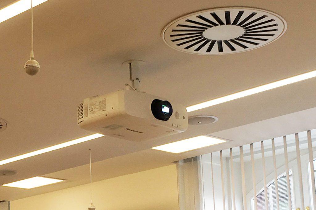 avm-panasonic-projektor-2