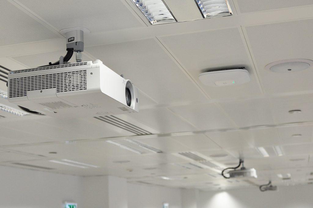 avm-panasonic-projektor-4