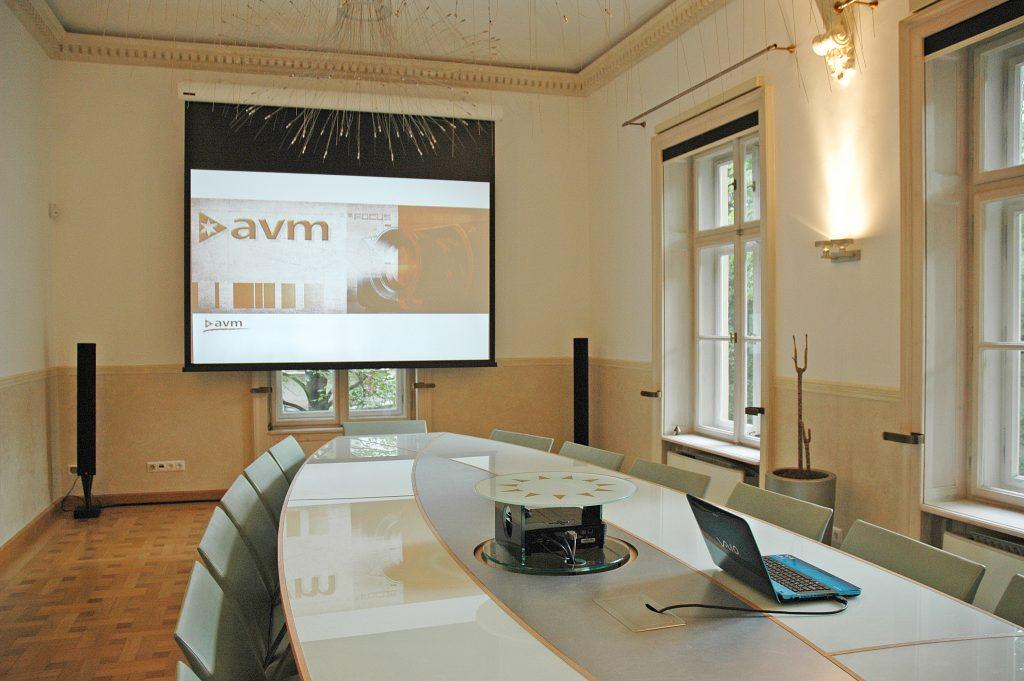 AVM-Quantis vezetői tárgyaló
